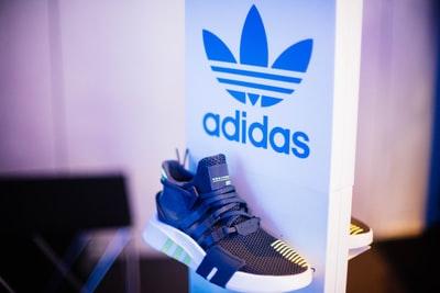 まとめ:adidasのバッシュは軽量で動きやすさに特化している